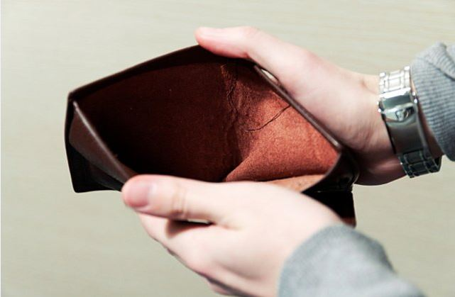 Vượt qua khó khăn tài chính