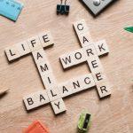Cân bằng cuộc sống là gì? Cách cân bằng cuộc sống gia đình và công việc